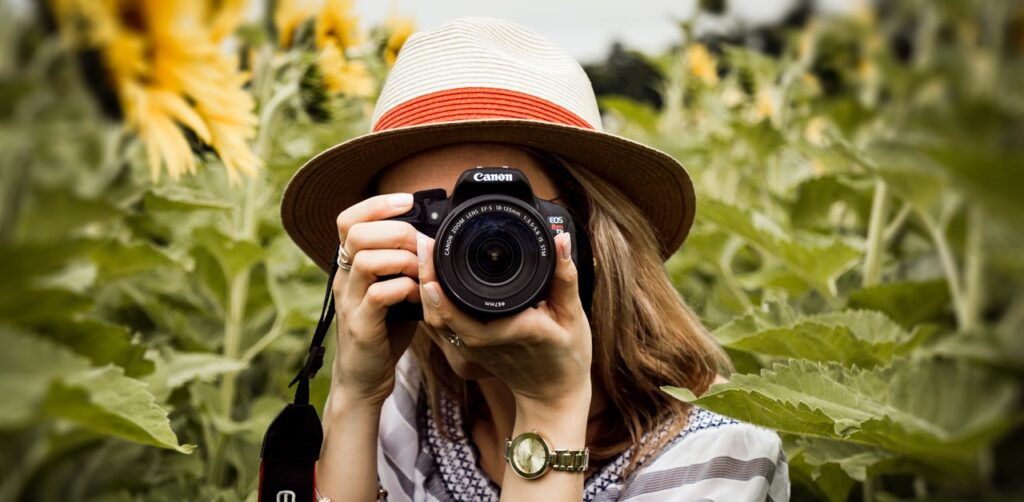 Best sites to sell photos online and earn passive income in Kenya